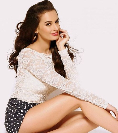 Evelyn Sharma Images