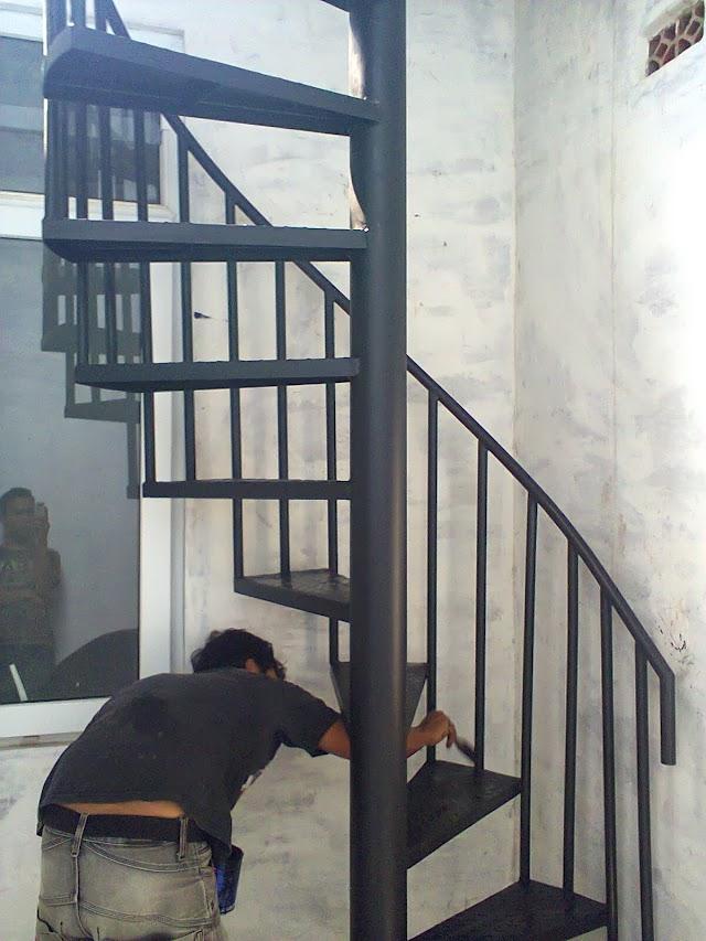 Jasa pembuatan tangga putar