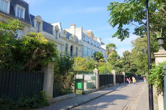Paris : Cité des Fleurs, quiétude heureuse d'un lieu préservé - 154 avenue de Clichy et 59 rue de la Jonquière - XVIIème