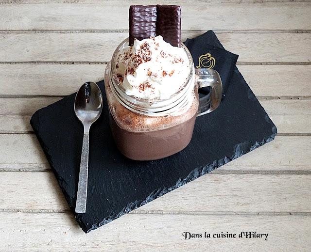 Chocolat chaud gourmand à la menthe