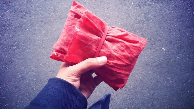 Le Bee's wrap ou comment dire adieu au film plastique et au papier alu !