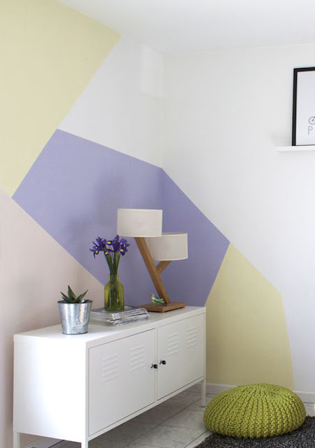 Paredes com pintura geométricas clean
