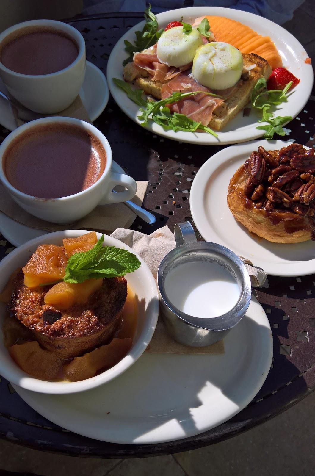Santa Monica Los Angeles Urth Caffe kahvila vinkki Mallaspulla matkakertomus aamiainen