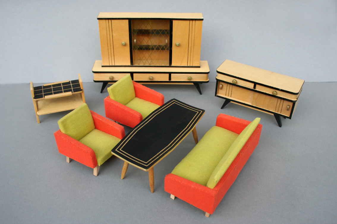 diepuppenstubensammlerin mai 2016. Black Bedroom Furniture Sets. Home Design Ideas