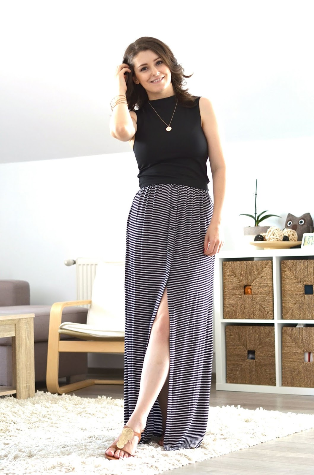 black and grey skirt style for summer