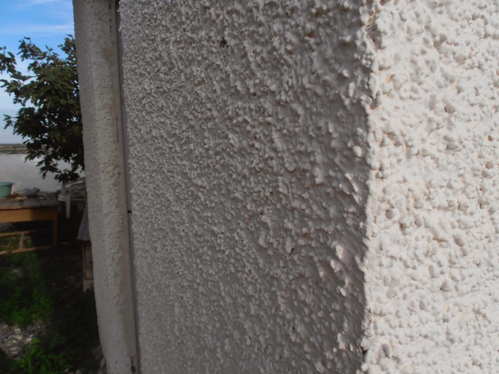 Construide revestimiento a la tirolesa gota o gotel y - Como empapelar una pared con gotele ...