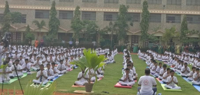 Schools and Colleges participate in Rotary's Mega Yoga Utsav