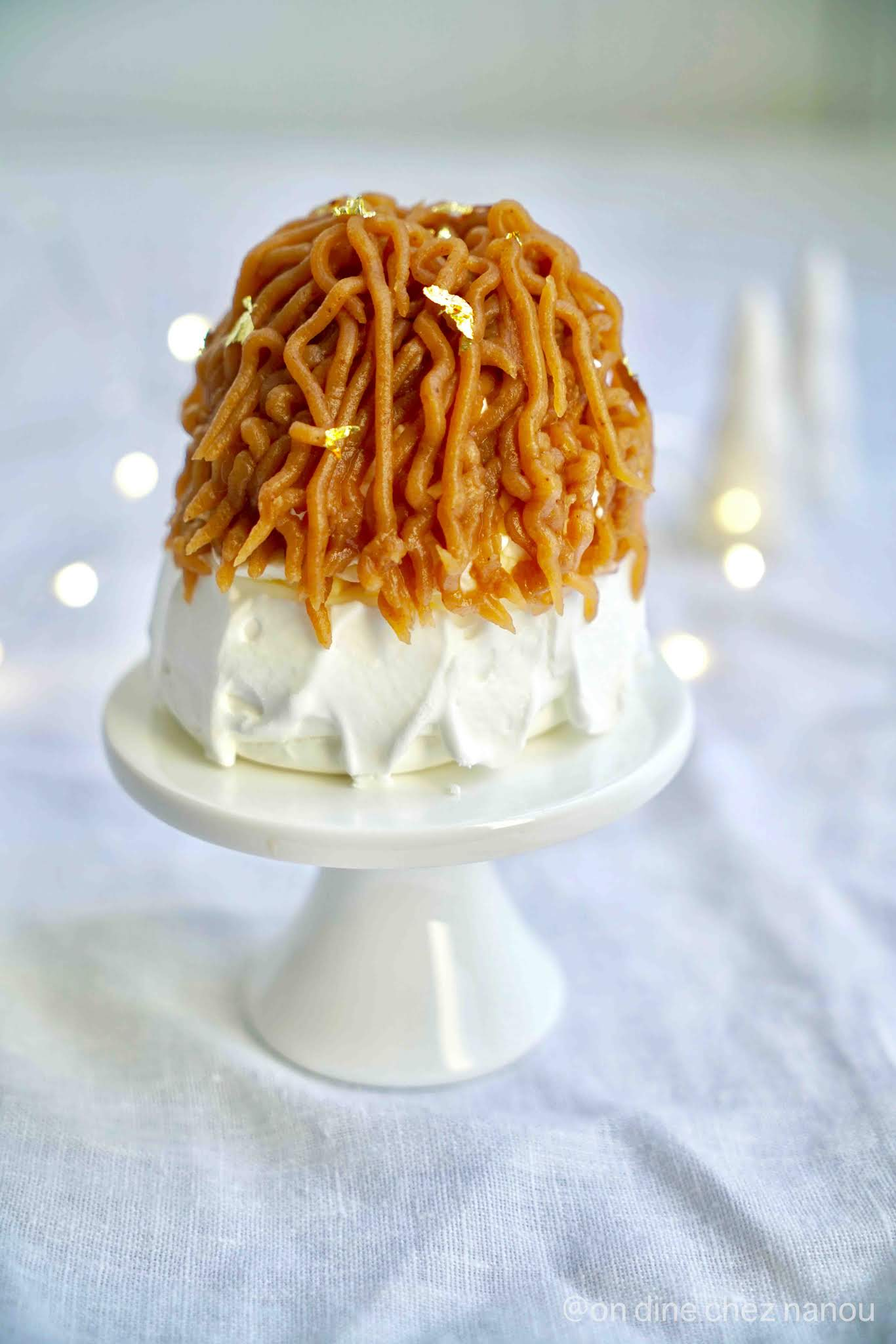 meringue , pavlova , crème de marrons , chantilly , clementines , dessert de fêtes