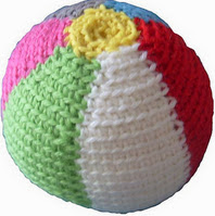 http://www.ravelry.com/patterns/library/summer-beach-ball