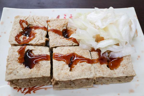 台中太平東東素食中山店|東東餅、臭豆腐、麵線糊,平價素食美食