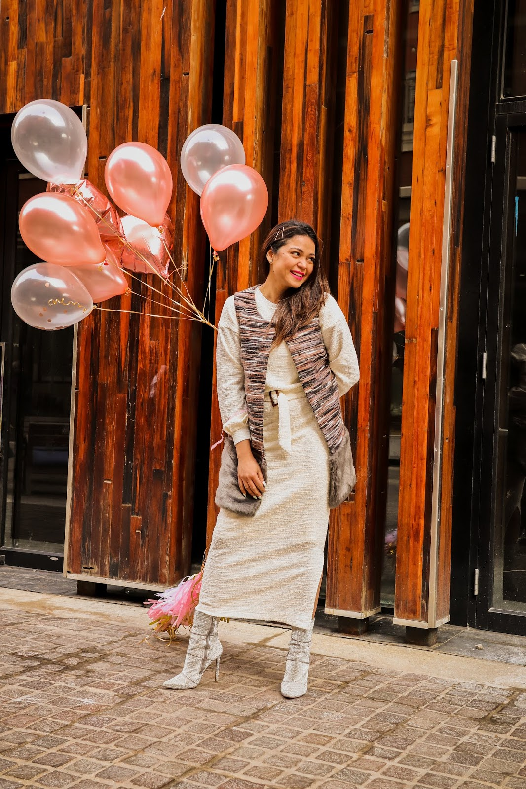 happy valentins day, Anthropologie knit midi dress, sequin boot, sparkly boots, style, fashion, stret style, dc blogger, myriad musings, vaelntines photoshoot, ballooon photoshoot. saumya Shiohare