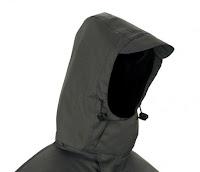 Ampliar imagen: Detalle de la capucha de la parka 288-P342 para frío intenso