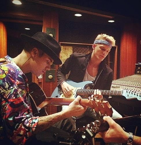 Justin Bieber makes it with Cody Simpson