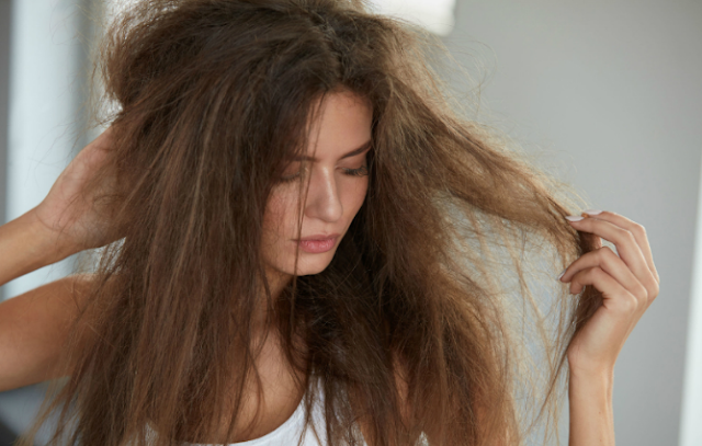 Bagaimana cara merawat rambut agar tidak mengembang