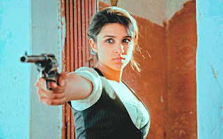 Parineeti chopra shoot by gun in ishaqzaade movie