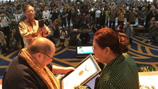 Menteri Susi Diganjar Rekor MURI karena Festival Danau Sunter