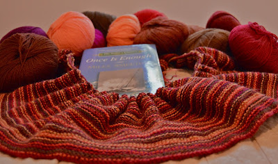 #yarnalong, reading Once is Enough and knitting a super scarf, Autumn Fire for https://www.etsy.com/shop/jeanniegrayknits