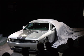 Dodge Challenger SRT8 HD Wallpapers