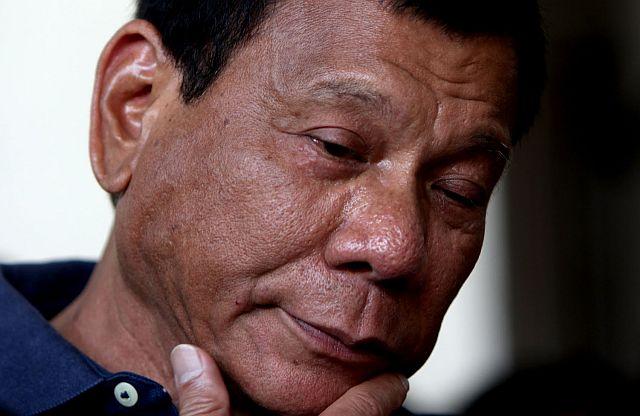 Duterte pode sofrer impeachment por admitir que matou criminosos, dizem senadores filipinos