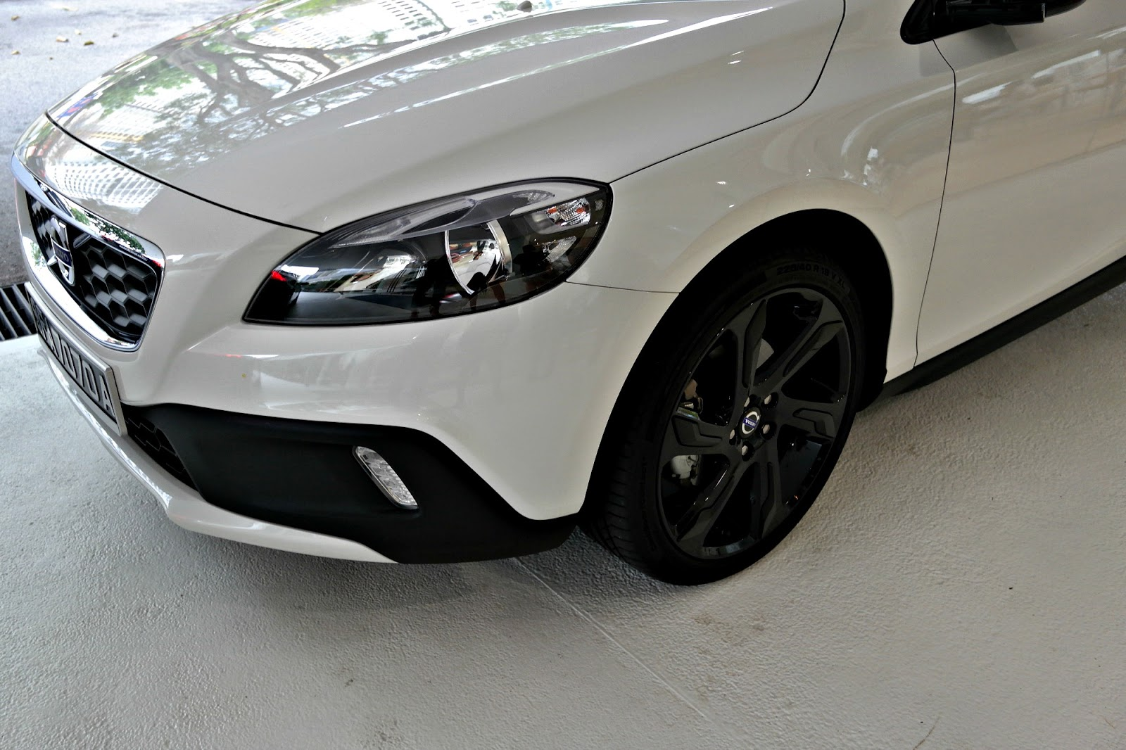Volvo V40 Cross Country  So in Love!