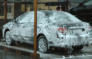 Cara Menggunakan Lap Khusus Cuci Mobil