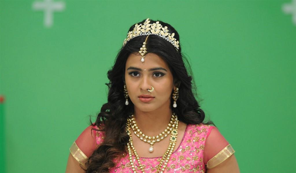 Telugu Actress Hebah Patel Hot Pink Half Saree Photos