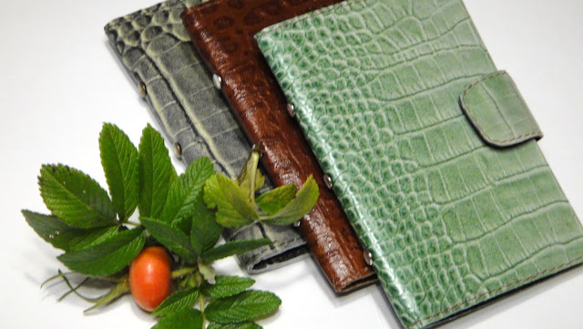Женский бумажник кожаный - подарок для женщины автоледи, ручная работа почтой и курьером