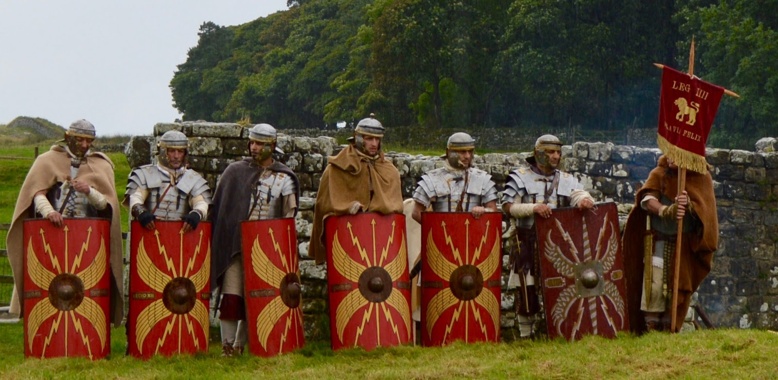 Hadrian's Wall Live 2016 | Birdoswald Roman Fort & Housesteads - A Review  - Roman Soldiers along Hadrian's wall