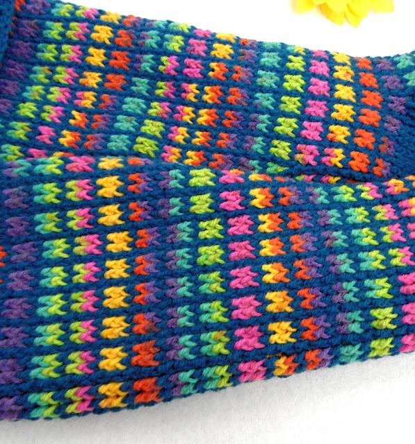 -crochet -rainbow -blue -square heegeldatud -vikerkaar -sinine -taust