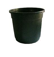small round plastic pots