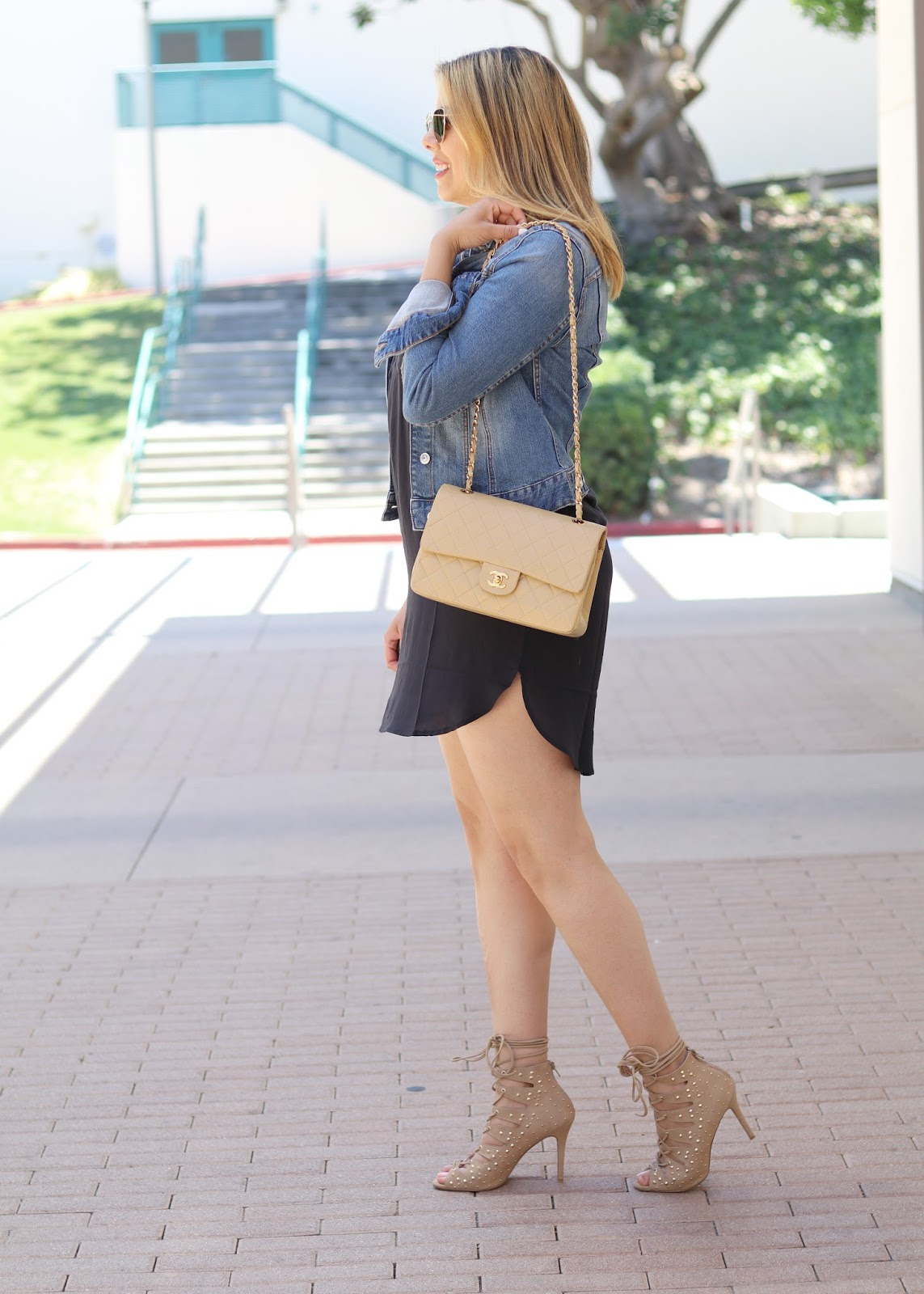 Black with beige accessories, justfab beige lace up heels, nude sandal heels, latina fashion blogger