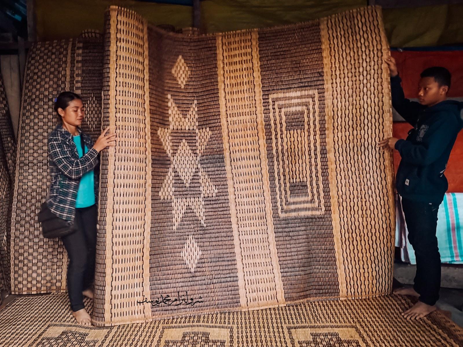 Pasar Serikin, Bau, Sarawak -  tikar sarawak