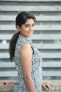 Telugu Television Actress Karuna Latest Pos In Denium Jeans  0033.JPG