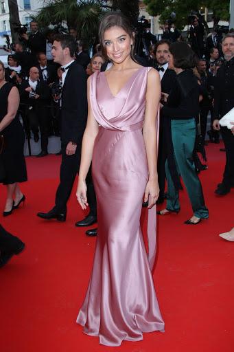 Daniela Braga red carpet fashion dresses photo