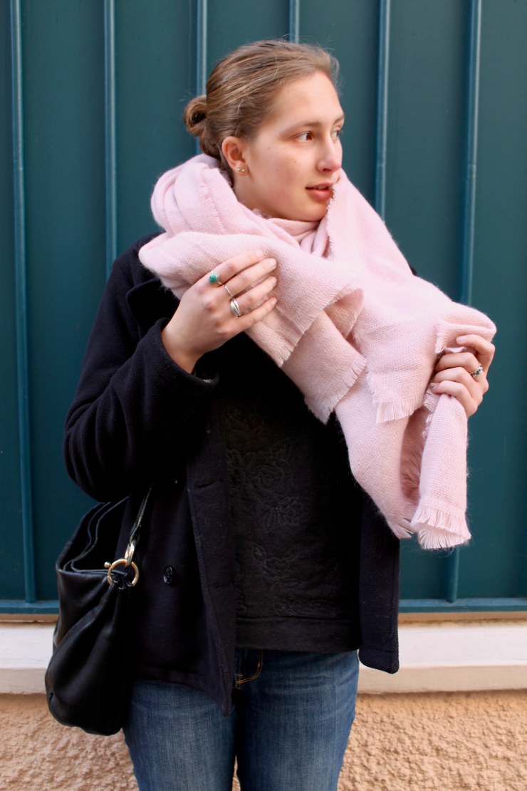 XXL pink scarf, peacoat and jeans in Pairs #ootd