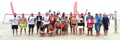 Atletas de Registro-SP e Ilha no pódium do Torneio de Beach Tênnis do Ilha Verão