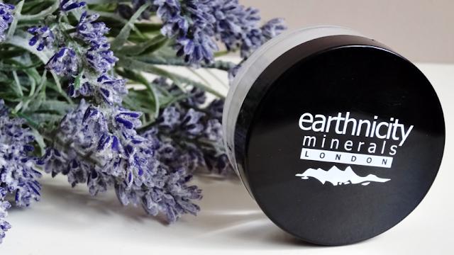 Earthnicity Minerals puder Velvet HD