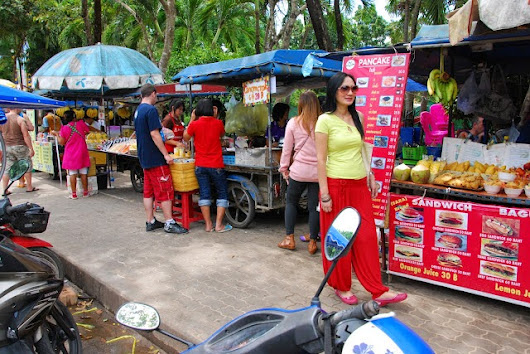 Chapter 4 : Pasar Malam Pasar Malam in Ao Nang - How To KRABI Yourself with RM350