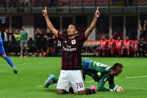 Bacca đã đến AC Milan lúc khó khăn nhất