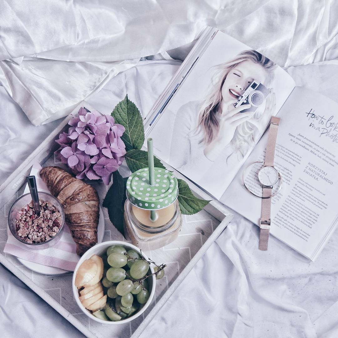 instagram flatlay melodylaniella breakfast pinteresr love style life book daniel wellington watch ideas inspirations home decor design photography favourite hashtags najlepsze hasztagi na instagramie