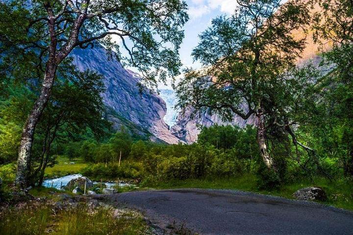 Briksdal Glacier, Pesona Dunia Beku di Norwegia