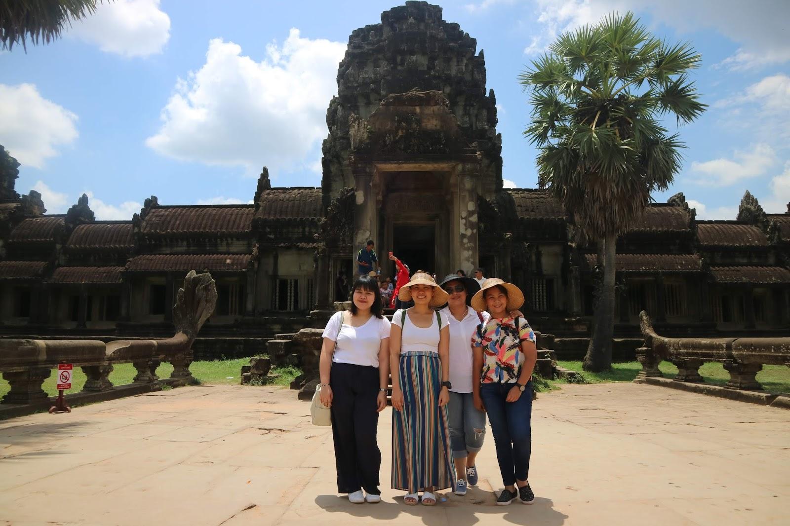 Group photo outside Angkor Wat