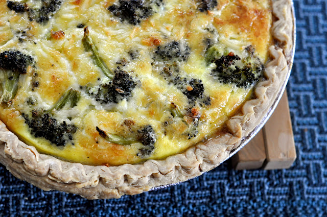 Roasted-Broccoli-White-Cheddar-Quiche-tasteasyougo.com