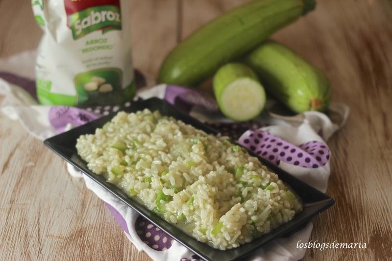http://www.elarrocetario.com/recetas-de-arroz/arroz-blanco-con-calabacin/