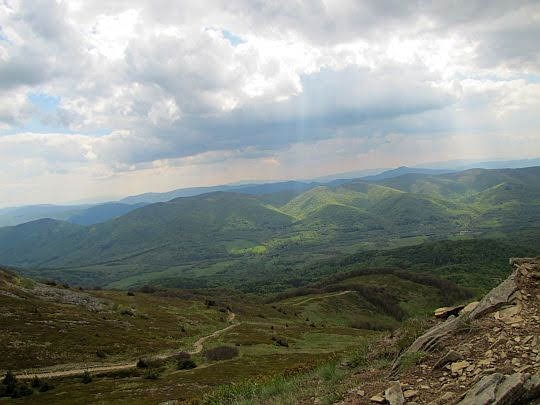Widok na dolinę Wołosatki.