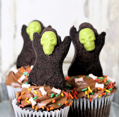 Easy Grim Reapers for Halloween Cupcakes