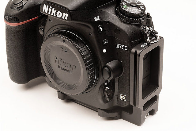 Hejnar PHOTO ND750 L bracket for the Nikon D750