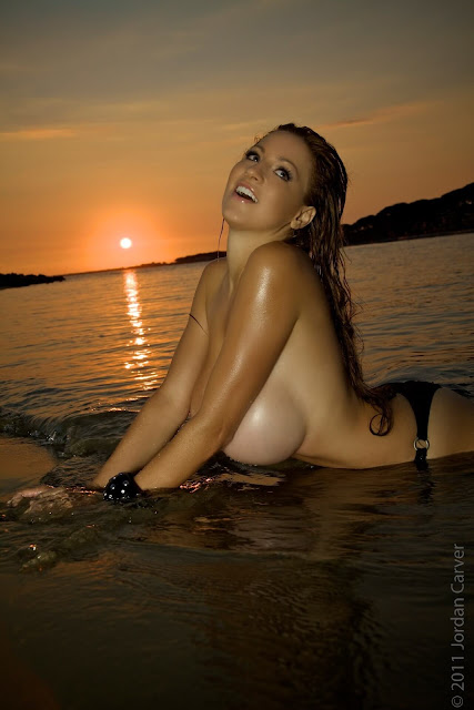 Sexiest-Jordan-Carver-Sunset-hot-HD-Photoshoot-Image-10