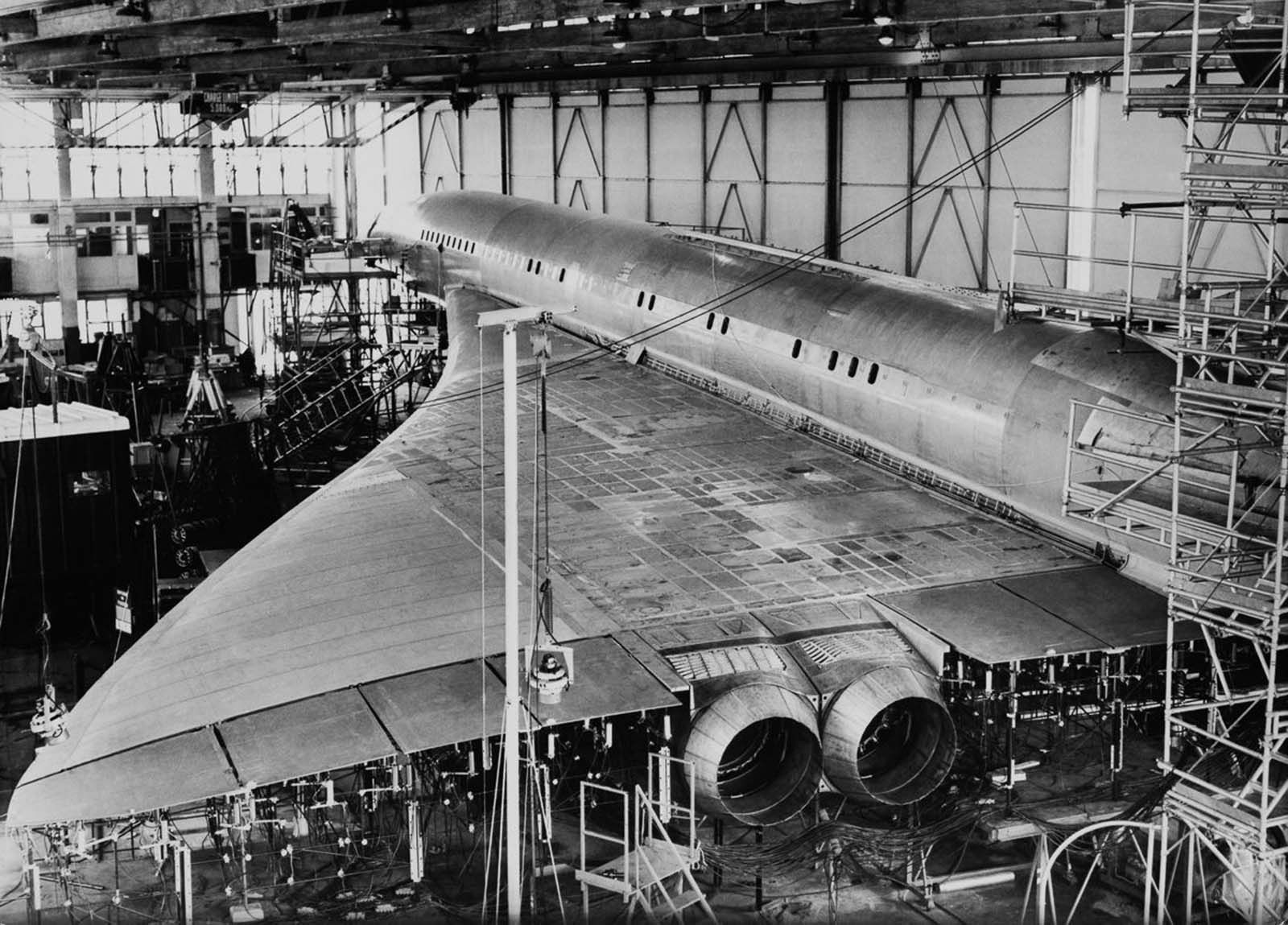 A Concorde prototype undergoes vibration tests in Toulouse. 1967.