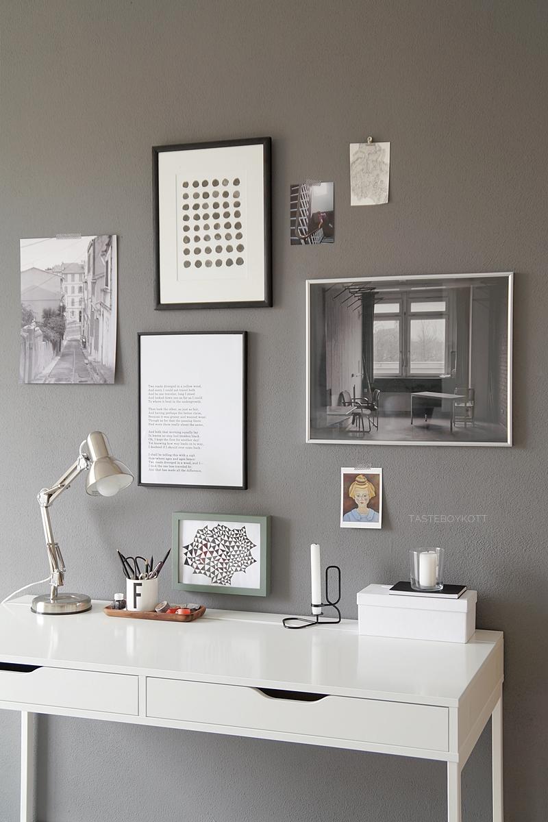 deko update arbeitsplatz mit bilderwand tasteboykott. Black Bedroom Furniture Sets. Home Design Ideas